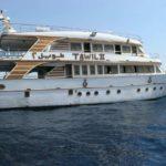 Яхта, которая возит туристов в Рас-Мохаммед