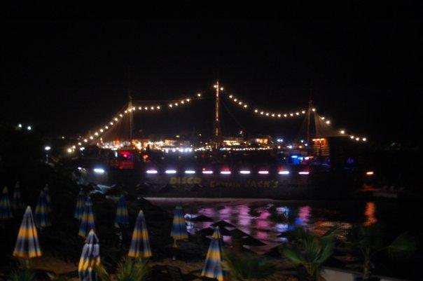 Night-sea-walk