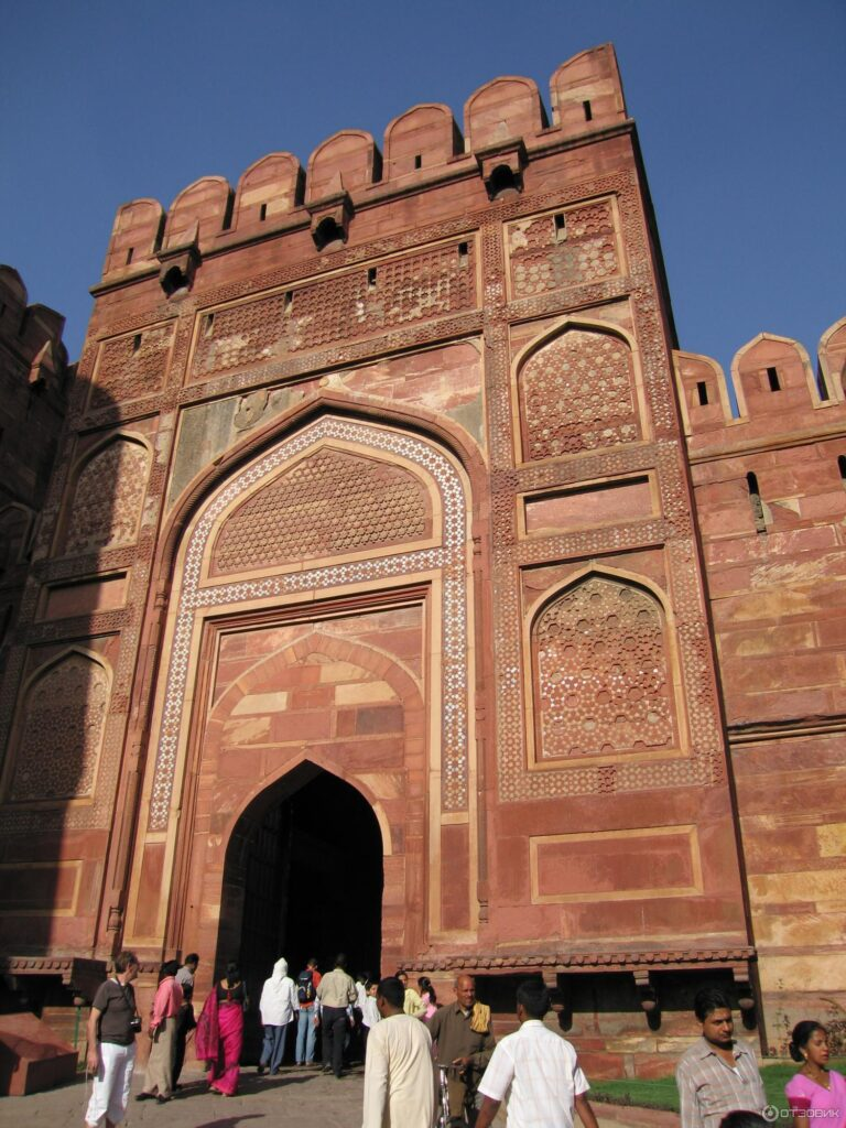 Первые внутренние ворота Амара Сингха