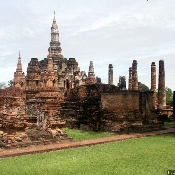Храм Ват Махатат