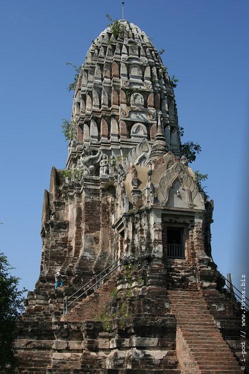 Храм Ват Ратчабурана, центральная крипта