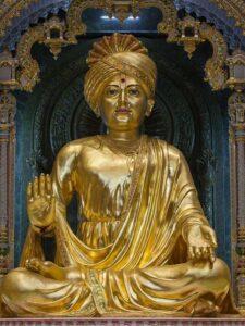 Статуя Бхагавана Сваминараяна в Акшардхаме