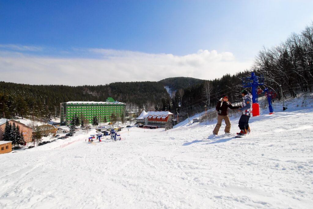 Горно-лыжная трасса в санатории Катунь